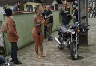 Голый протест в Бразилии