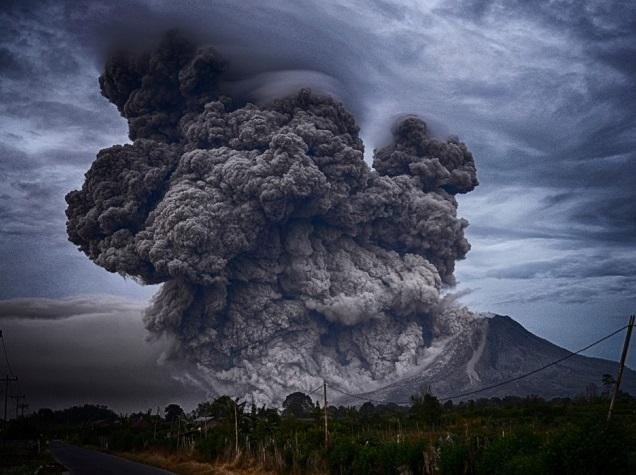 Na-Bali-prosnulsya-vulkan.jpg